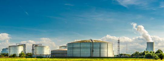 Clearingstelle EEG/KWKG: Ein Satelliten-BHKW bleibt vergütungsrechtlich eine eigenständige EEG-Anlage, auch wenn es künftig gemeinsam mit einer Biogasanlage in ein Nahwärmenetz einspeist